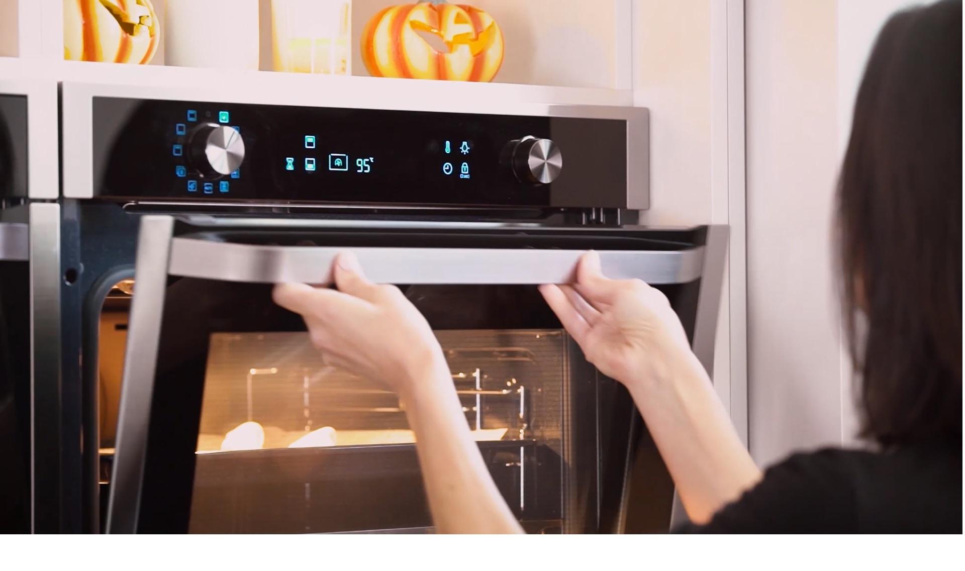 Come Pulire Un Frigorifero Usato pulire il vetro del forno: ecco come si può | morena